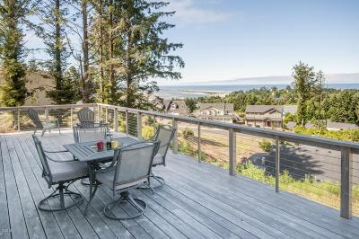 Lincoln City Single Family Home For Sale: 4119 SE Keel Way