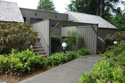 Lincoln City Condo/Townhouse For Sale: 5801 #6 Voyage