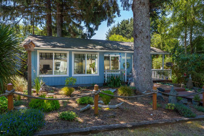 Lincoln City Single Family Home For Sale: 1910 NW 37th St