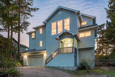 Pacific City Single Family Home For Sale: 32280 Cape Kiwanda Drive