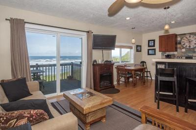 Newport Condo/Townhouse For Sale: 801 NW Coast St. #5