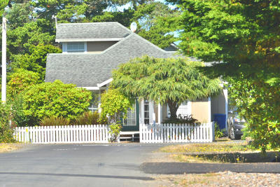 Gleneden Beach Single Family Home For Sale: 7045 Salal Ave