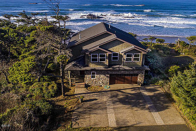 Seal Rock Single Family Home For Sale: 11244 NW Pacific Coast Hwy