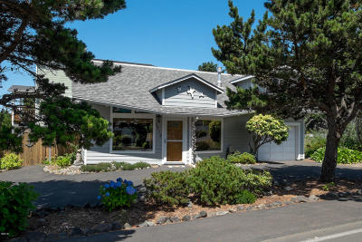 Lincoln City Single Family Home For Sale: 1715 NW 30th
