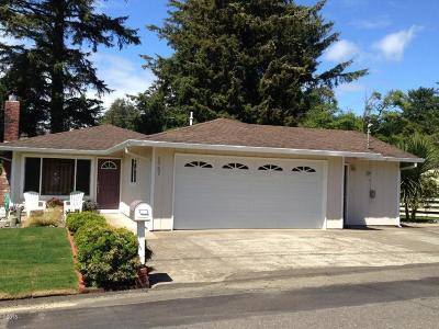 Lincoln City Single Family Home For Sale: 1757 NW 33rd St