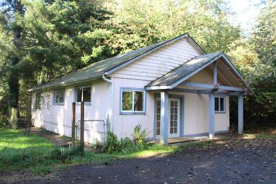 Lincoln City Single Family Home For Sale: 2861 NE West Devils Lake Rd