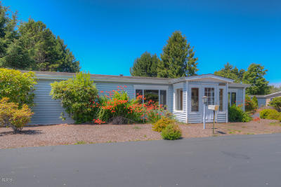 Depoe Bay, Gleneden Beach, Lincoln City, Newport, Otter Rock, Seal Rock, South Beach, Tidewater, Toledo, Waldport, Yachats Mobile/Manufactured For Sale: 3443 NE Coos St