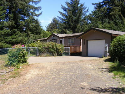 Newport Mobile/Manufactured For Sale: 1779 NE Yaquina Heights Dr