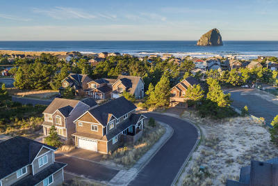 Pacific City Single Family Home For Sale: 6390 Dory Pointe Loop
