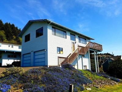 Lincoln City OR Single Family Home For Sale: $450,000