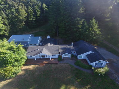 Newport Single Family Home For Sale: 7515 Yaquina Bay Rd