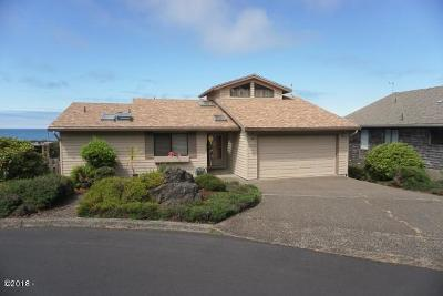 Lincoln City Single Family Home For Sale: 1932 NE Spindrift Court