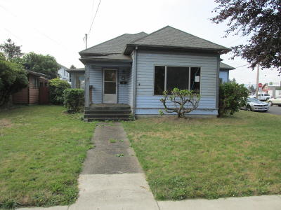Single Family Home For Sale: 2407 3rd St