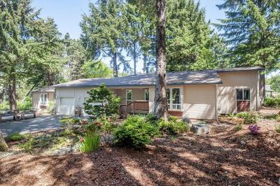 Depoe Bay Single Family Home For Sale: 1115 SW Walking Wood