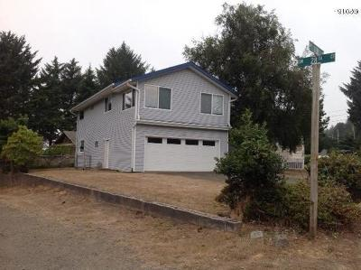 Lincoln City Single Family Home For Sale: 2775 SW Dune Ave