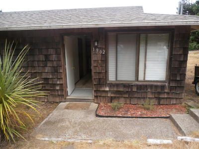 Waldport Multi Family Home For Sale: 1900/1902 NW Hilton Dr #1 &
