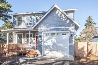 Depoe Bay Single Family Home For Sale: 45 Sunset St.