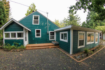 Waldport Single Family Home For Sale: 581 SE Gibson Rd