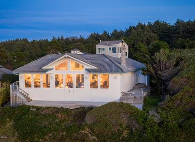 Little Whale Cove Single Family Home For Sale: 530 SW Edgewater