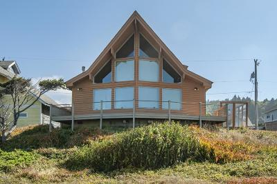 Depoe Bay Single Family Home For Sale: 475 NW Alsea Ave