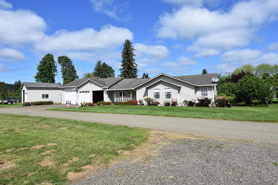 Siletz Single Family Home For Sale: 850 SW Darcy Ave