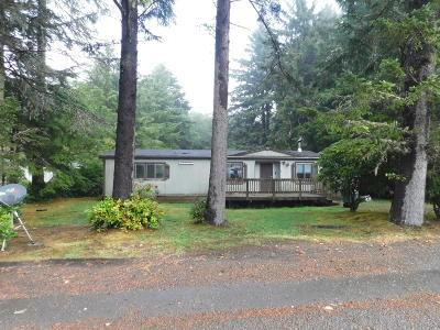 Depoe Bay, Gleneden Beach, Lincoln City, Newport, Otter Rock, Seal Rock, South Beach, Tidewater, Toledo, Waldport, Yachats Mobile/Manufactured For Sale: 237 SE 143rd St