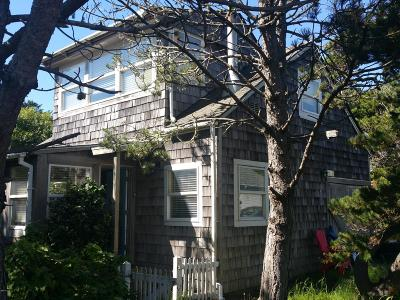 Yachats Single Family Home For Sale: 245 Pontiac St