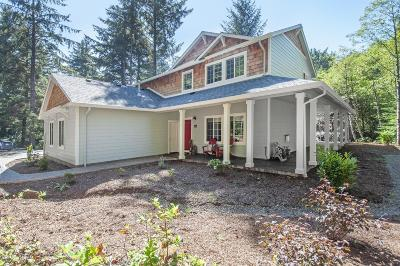 Depoe Bay Single Family Home For Sale: 1355 SW Walking Wood