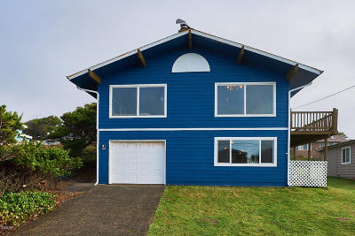 Lincoln City Single Family Home For Sale: 5146 NW Jetty Ave