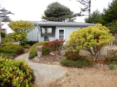 Seal Rock Single Family Home For Sale: 12892 NW Blackberry Lane