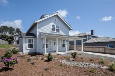 Lincoln County Single Family Home For Sale: 6126 NE Mast Ave.