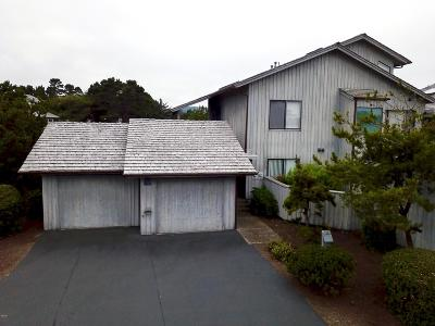 Depoe Bay Condo/Townhouse For Sale: 4175 Us-101 #B-1