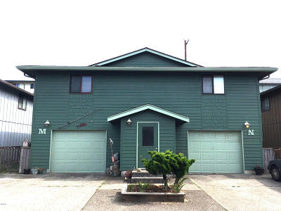 Newport Condo/Townhouse For Sale: 630 SW Fall Street #M