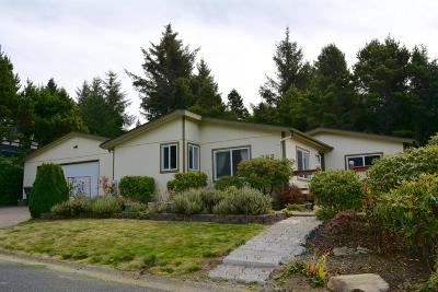 Depoe Bay, Gleneden Beach, Lincoln City, Newport, Otter Rock, Seal Rock, South Beach, Tidewater, Toledo, Waldport, Yachats Mobile/Manufactured For Sale: 282 NE 70th St