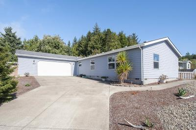 Depoe Bay, Gleneden Beach, Lincoln City, Newport, Otter Rock, Seal Rock, South Beach, Tidewater, Toledo, Waldport, Yachats Mobile/Manufactured For Sale: 104 SE Fair Wind Ct