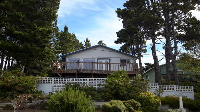 Depoe Bay, Gleneden Beach, Lincoln City, Newport, Otter Rock, Seal Rock, South Beach, Tidewater, Toledo, Waldport, Yachats Single Family Home For Sale: 100 Hillcrest Street