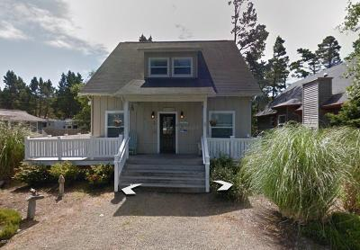 Depoe Bay Single Family Home For Sale: 210 Bella Beach Dr