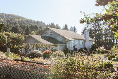 Yachats Single Family Home For Sale: 500 Bayview Ter