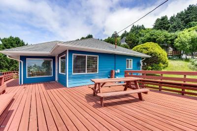 Lincoln City Single Family Home For Sale: 1925 NE 69th St