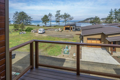Yachats OR Single Family Home For Sale: $528,000