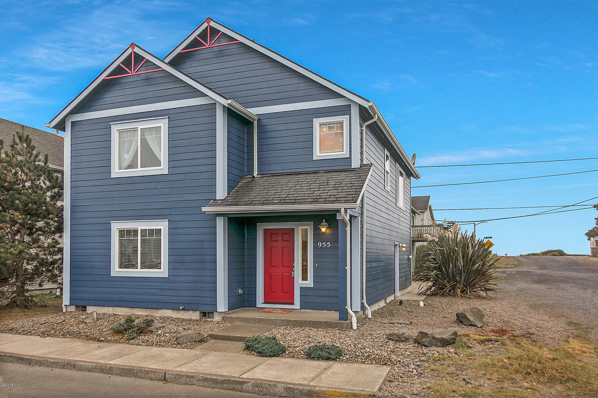 955 Nw Spring St Newport Or Mls 18 2766 Oregon Coast Real
