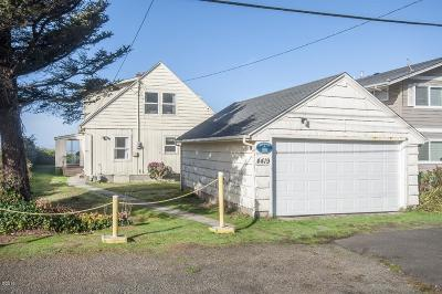 Lincoln City Single Family Home For Sale: 4419 Beach Ave SW