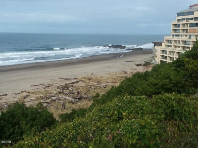 Lincoln City Condo/Townhouse For Sale: 4229 SW Beach Ave #5