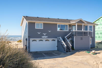 Waldport Single Family Home For Sale: 202 NW Oceania Dr