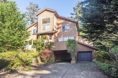 Depoe Bay Single Family Home For Sale: 1630 Walking Wood