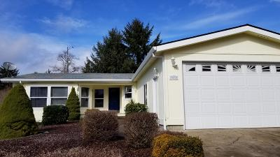 Depoe Bay, Gleneden Beach, Lincoln City, Newport, Otter Rock, Seal Rock, South Beach, Tidewater, Toledo, Waldport, Yachats Mobile/Manufactured For Sale: 3535 NE 40th Ct