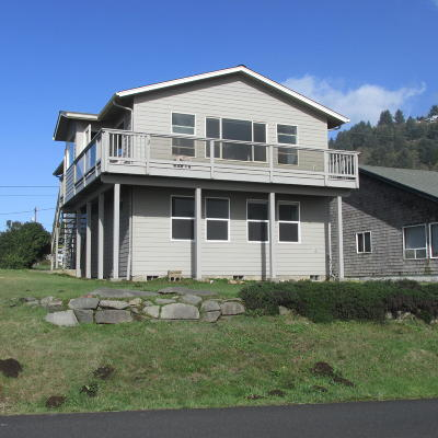 Yachats Single Family Home For Sale: 260 W 1st St