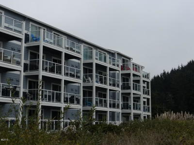 Lincoln City Condo/Townhouse For Sale: 5201 SW Hwy 101 #310 &amp