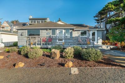 Lincoln City Single Family Home For Sale: 4842 SW Beach Ave