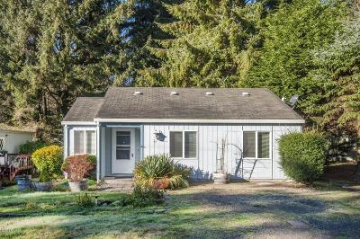 Depoe Bay Single Family Home For Sale: 75 NE Keene Avee